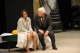 Nackt v.l.n.r.: Annett Renneberg, Friedhelm Ptok © St. Pauli Theater