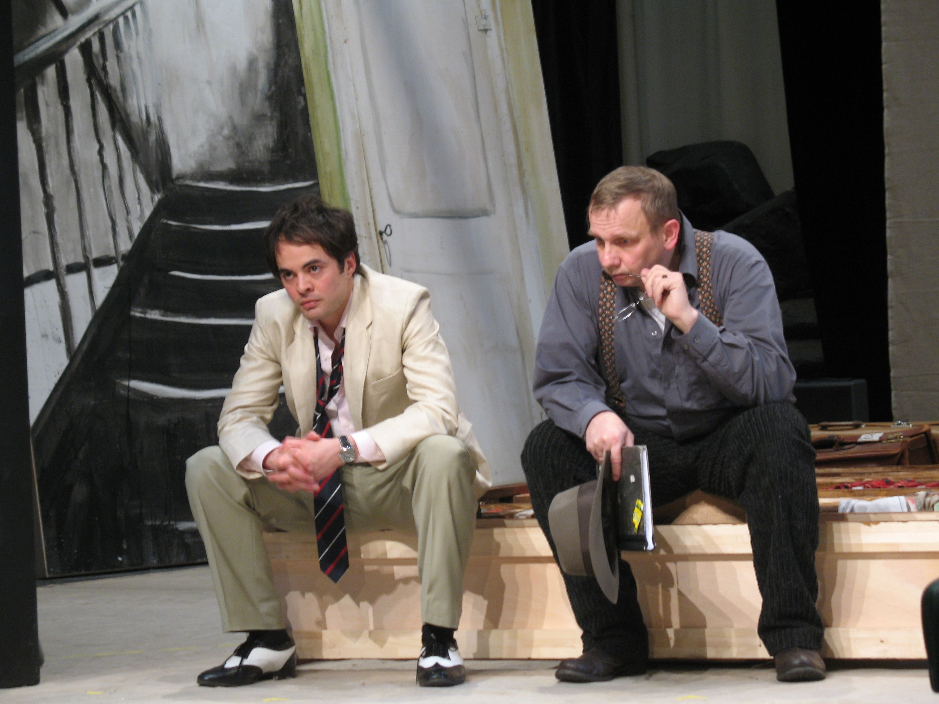 Nackt v.l.n.r.: Nikolai Kinski, Friedrich-Karl Praetorius © St. Pauli Theater