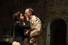 Blutige Aprikosen- Albicocche rosse - Adriana Altaras und Ensemble - © St. Pauli Theater
