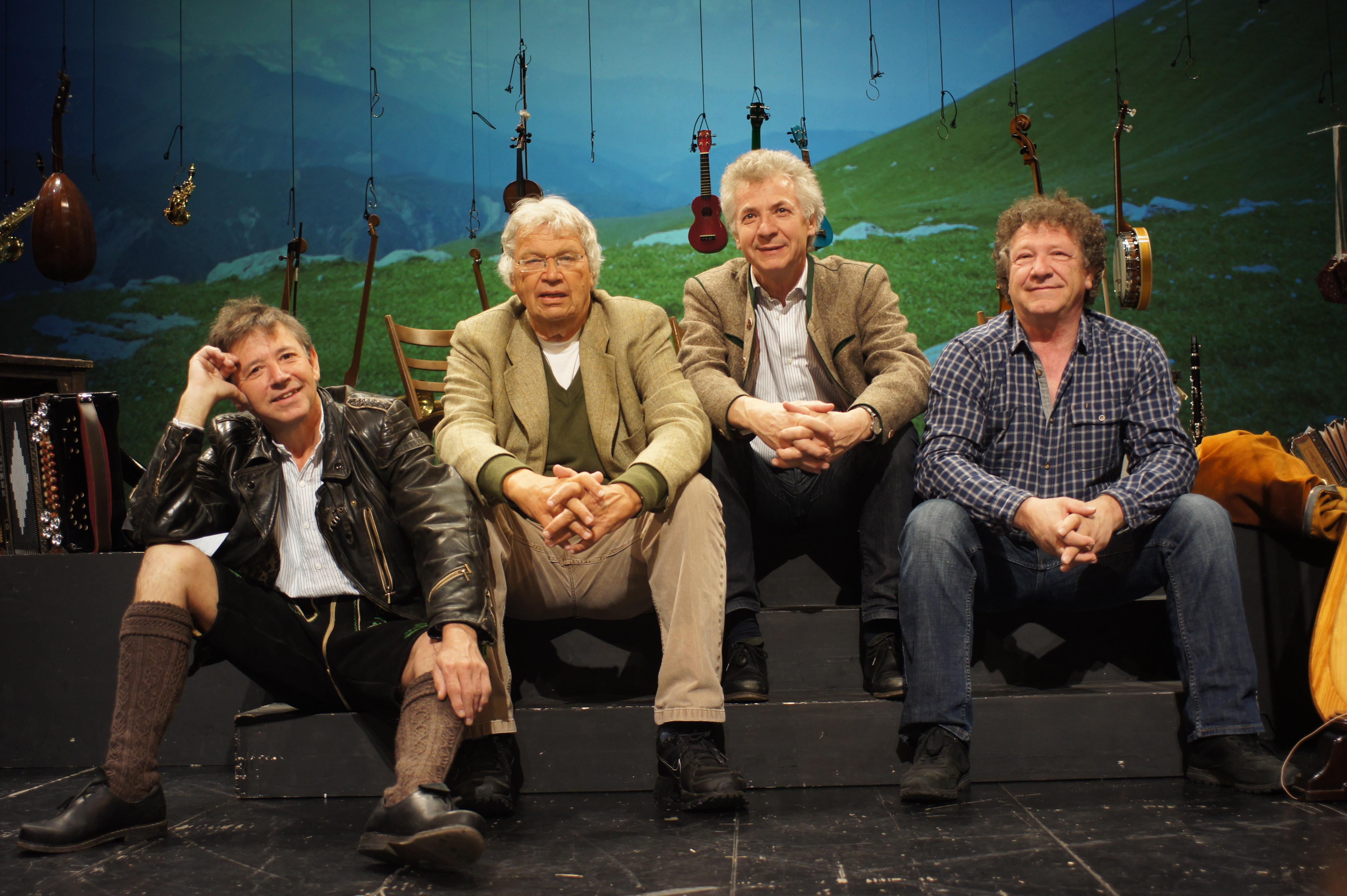 FGerhard Polt & die Well-Brüder aus'm Biermoos Foto: wellbrueder.de Abdruck bei Nennung des Fotocredits honorarfrei
