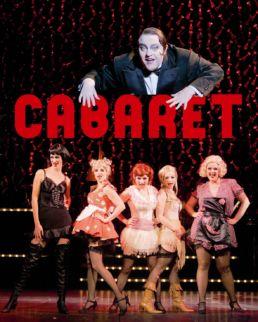 Cabaret v.l.n.r.: (oben) Gustav Peter Wöhler, Katrin Wasow, Katharina Mittermeier, Bettina Roepkes, Sonja Gründemann, Kai-Maren Taafel © Oliver Fantitsch