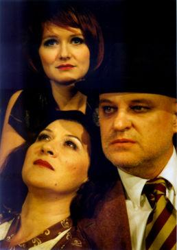 Die Dreigroschenoper: Stefanie Stappenbeck, Eva Mattes, Christian Redl - © Katharina John