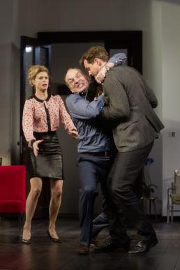 1 Stunde Ruhe v.l.n.r.: Leslie Malton, Herbert Knaup, Thomas Heinze - © Oliver Fantitsch