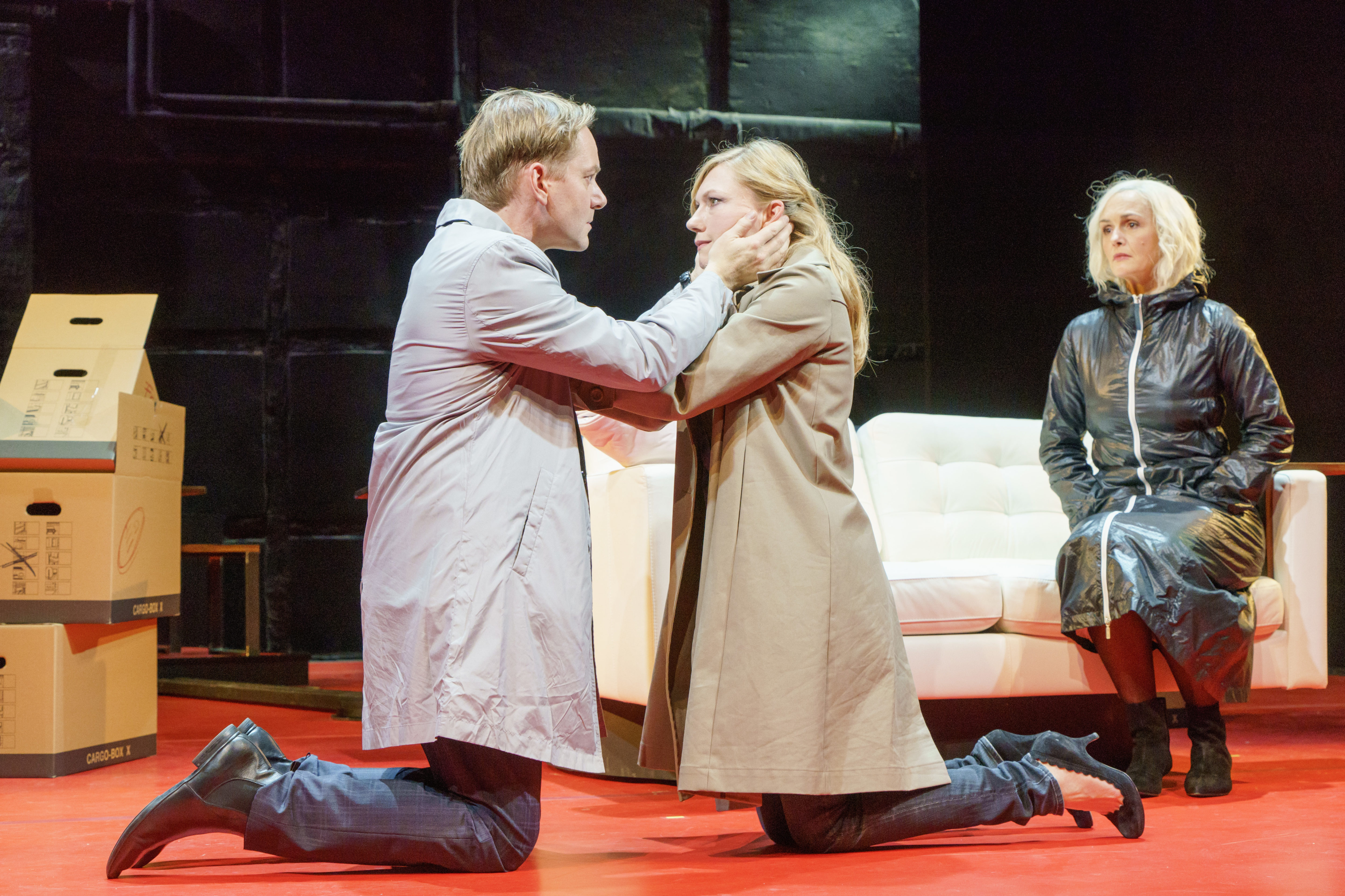 Konsens v.l.n.r.: Patrick Heyn, Johanna Christine Gehlen, Bettina Engelhardt © Oliver Fantitsch